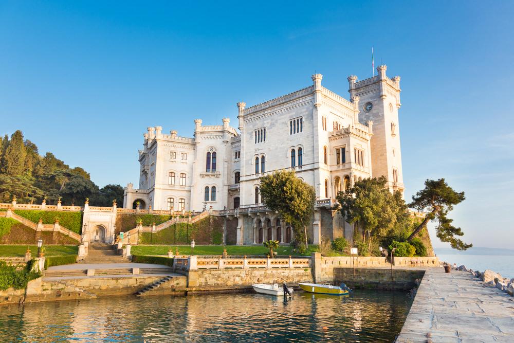 castello miramare trieste_185447612