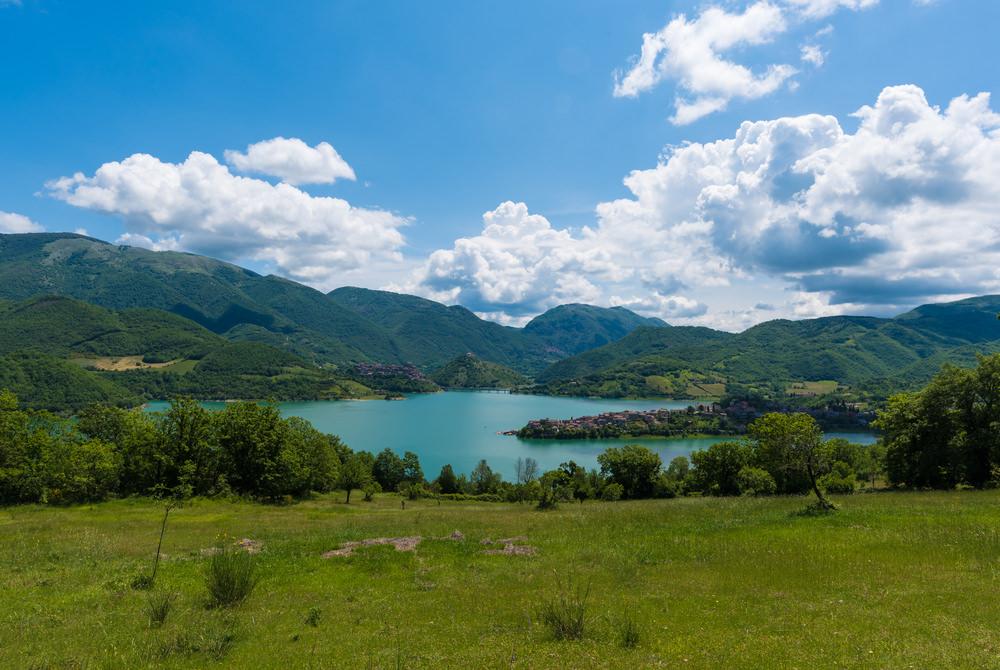lago del turano_435383449