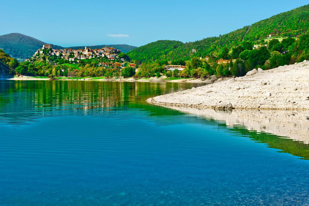 Castel di Tora, Lago del Turano