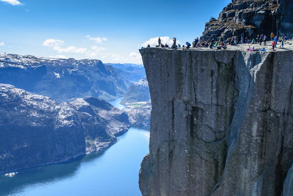 Preikestolen, a picco sui fiordi norvegesi