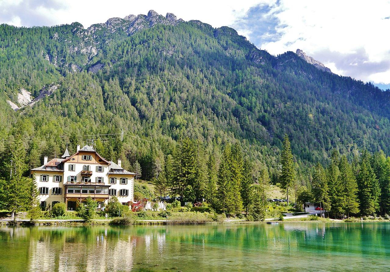 Lago Dobbiaco, natura