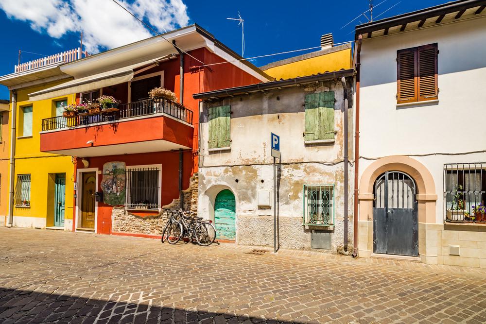 Borgo San Giuliano, passeggiando nel borgo di Fellini