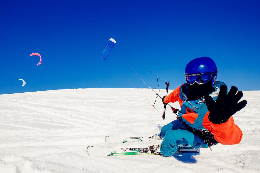 Cosa fare in montagna: Snowkite
